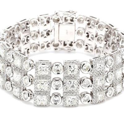 Halo Bracelet in 18K WG w/ Princess centers & Round diamonds D24.33ct.t.w.