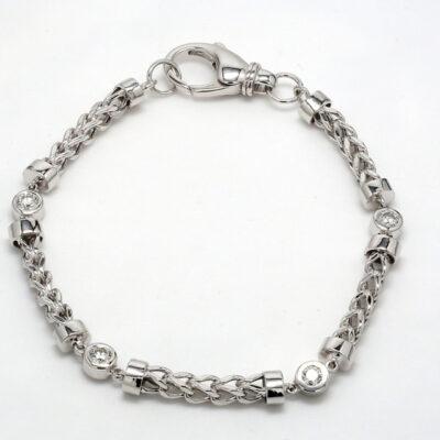 Bracelet in 14K WG w/ alternating chain and Round diamonds. D0.80ct.t.w.