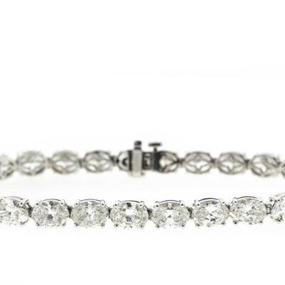 Tennis Bracelet in Platinum w/ G-H/SI Oval diamonds D17.97ct.t.w.
