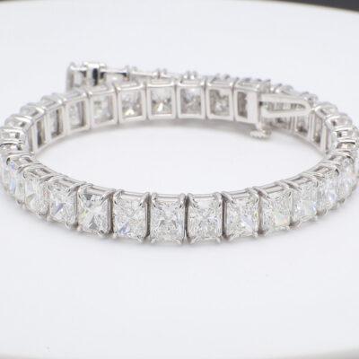 Tennis Bracelet in Platinum w/ D-E/VVS-VS Radiant diamonds D27.00ct.t.w.
