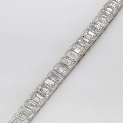 "7"" Tennis Bracelet in Platinum w/ Emerald diamonds D13.58ct.t.w."