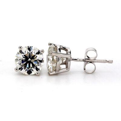 Stud Earrings in 14K WG w/ Round diamonds D2.10ct.t.w.