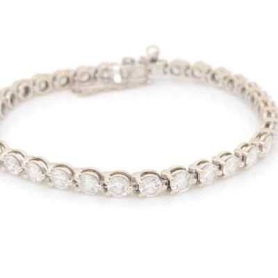 2.20 ctw. Diamond Bracelet with an Expertly Crafted 4 Prong Setting