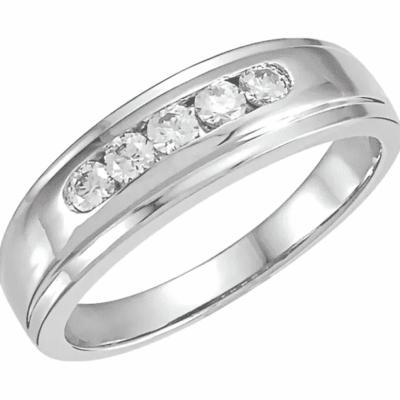 0.25 ctw. Diamond Beveled-Edge Wedding Band