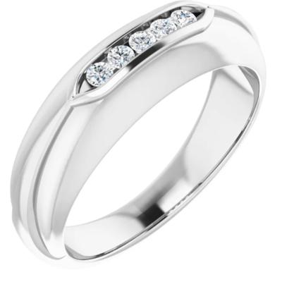 0.15 ctw. Men's Round Cut Diamond Wedding Band in 14K White Gold